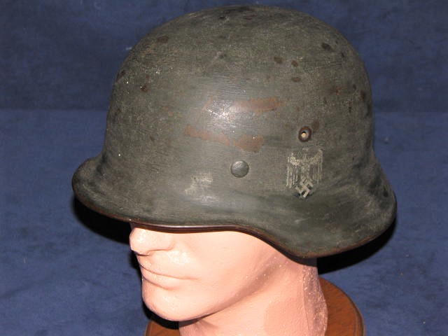 Original WWII German Army M-40 Helmet Single Decal with Brushed Camouflage Paint & Liner EF-64 17-78