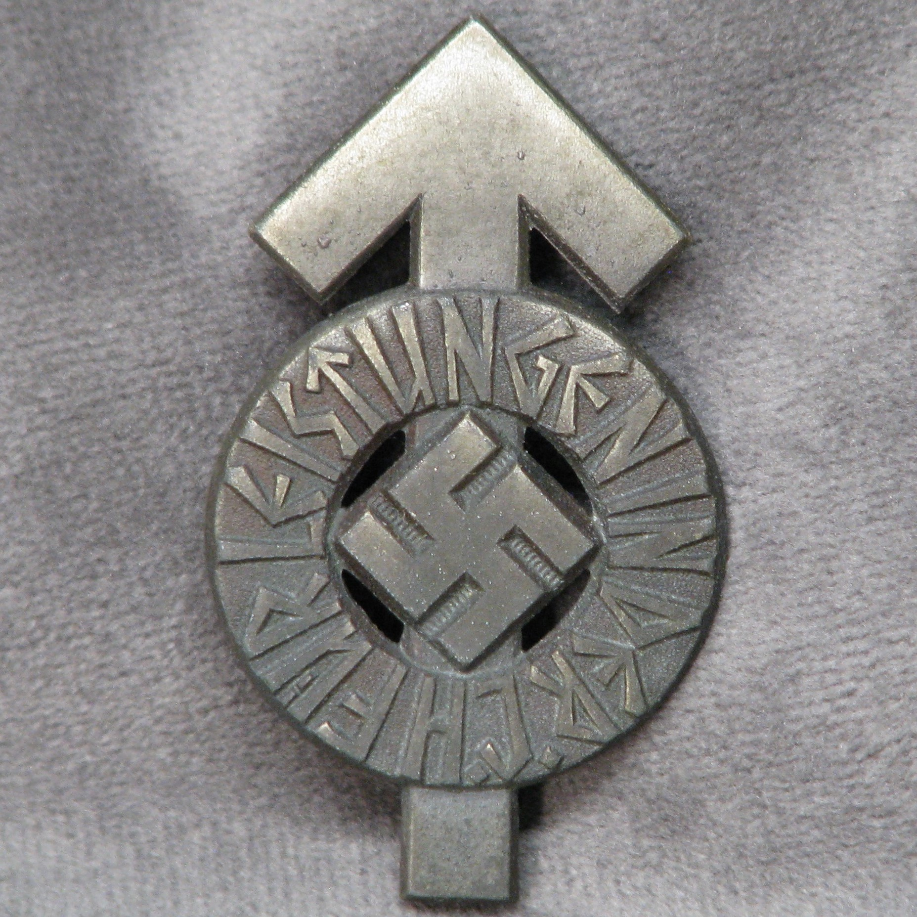 WWII German HJ Proficiency Badge in Silver Numbered 148671 RZM 1/101 #18-164