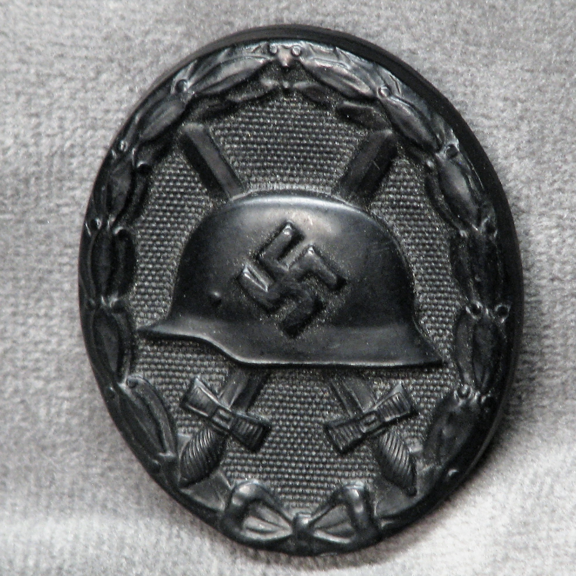 WWII German Wound Badge in Black Mint Condition Un-Issued #18-165